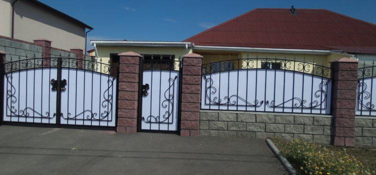 Ворота, заборы и ограждения участков пос. Нежный
